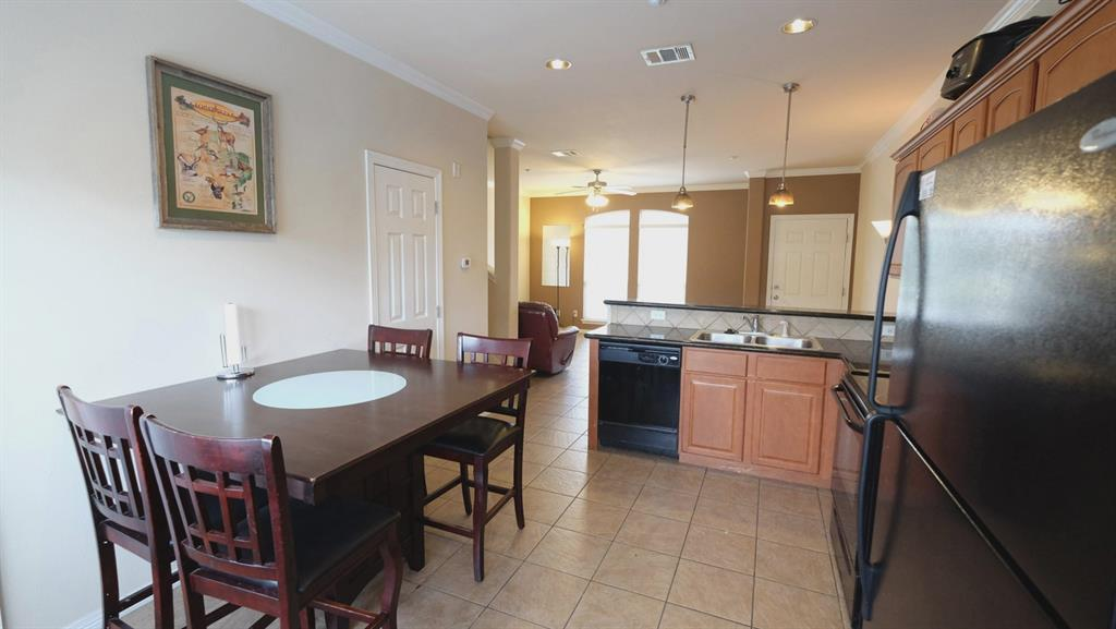 305 Holleman Dr E 304, College Station, TX 77480