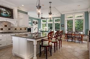 39 W Old Sterling Circle, The Woodlands, TX 77382