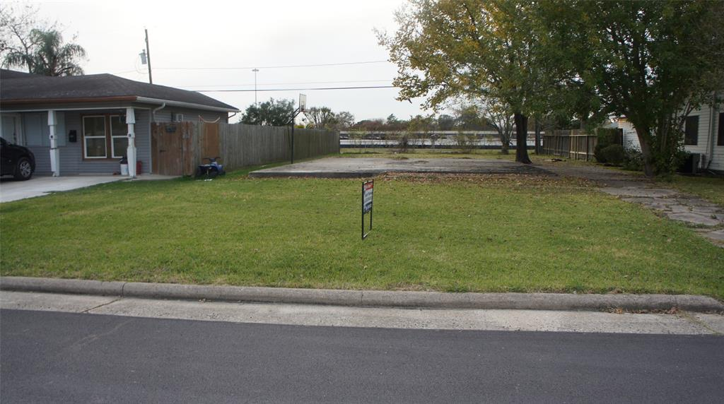 1303 Leggett Drive, Galena Park, TX 77547