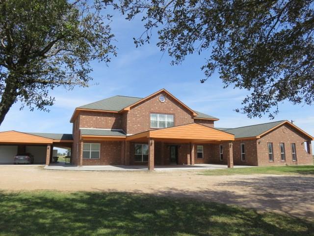 719 County Rd 411, El Campo, TX 77437