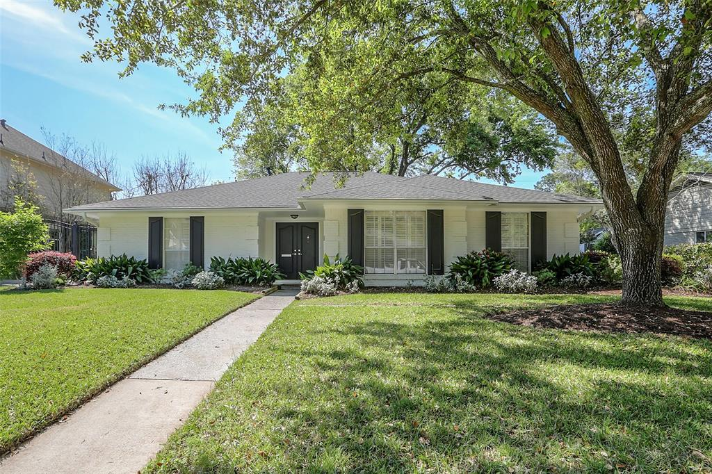Beautifully updated 4 bedroom home on a quiet street in Fonn Villas. Exterior updates include a new roof on the home and garage and new exterior seal and paint.