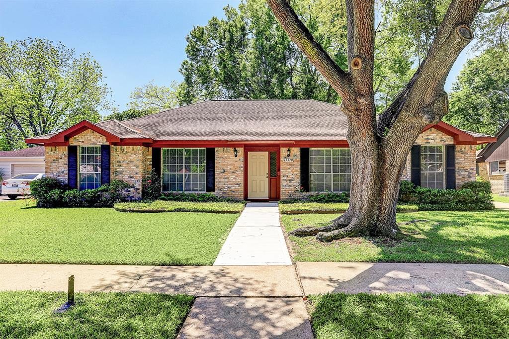15510 Baybrook Drive, Houston, TX 77062