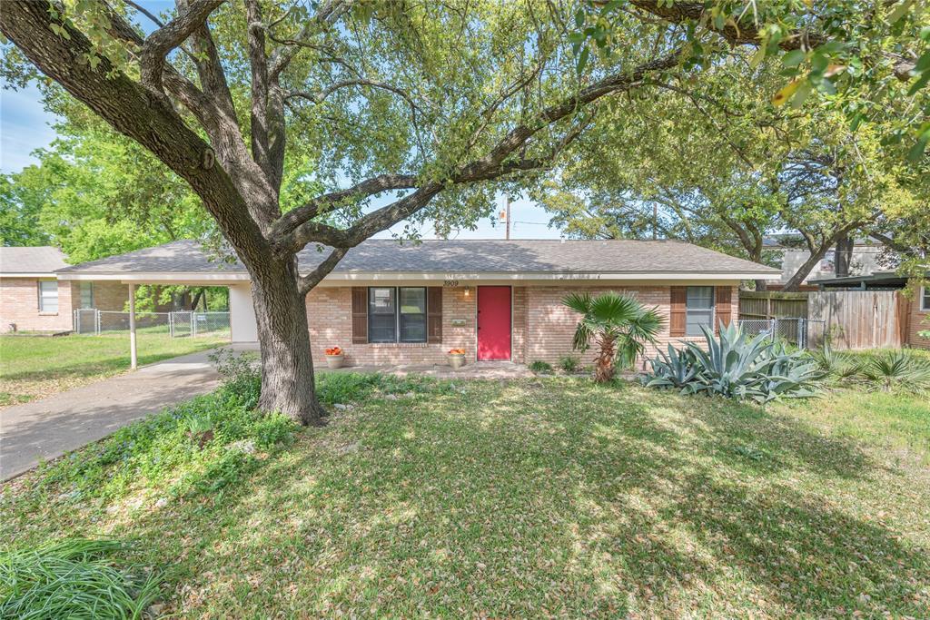 3909 Glenn Oaks Drive, Bryan, TX 77802