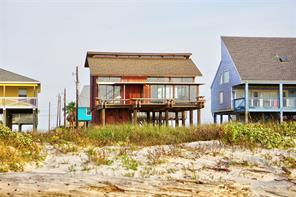1902 Point Lafitte Court, Surfside Beach, TX 77541