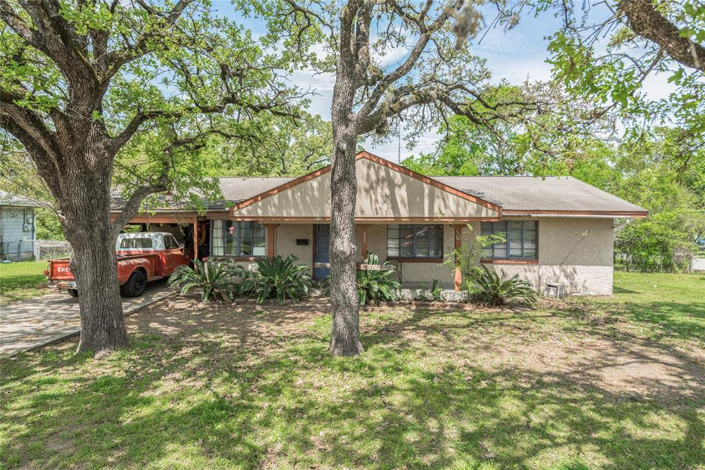 200 Fairway Drive, Bryan, TX 77801