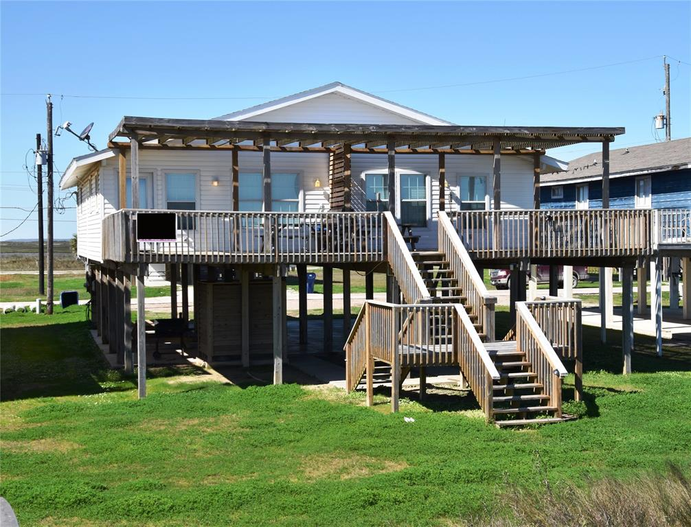 2706 Swan Court, Surfside Beach, TX 77541