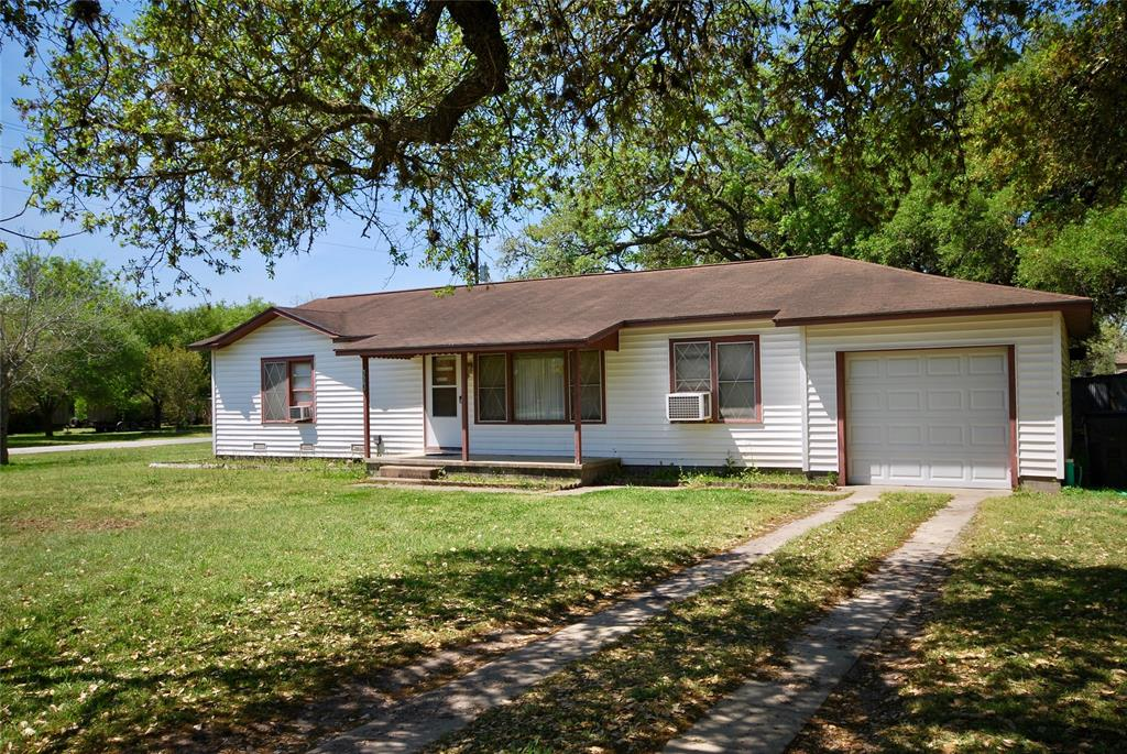 604 S Hackberry, Moulton, TX 77975