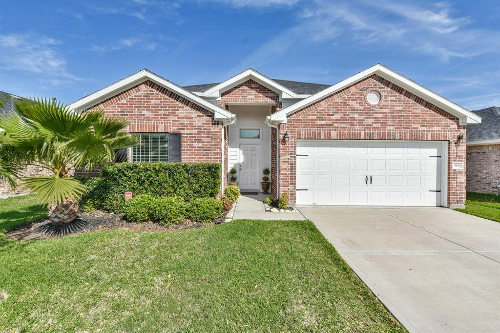 306 Edgewater Park Drive, Bacliff, TX 77518