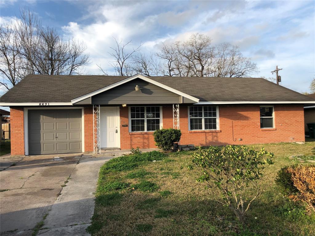 8821 Woodlyn Road, Houston, TX 77078