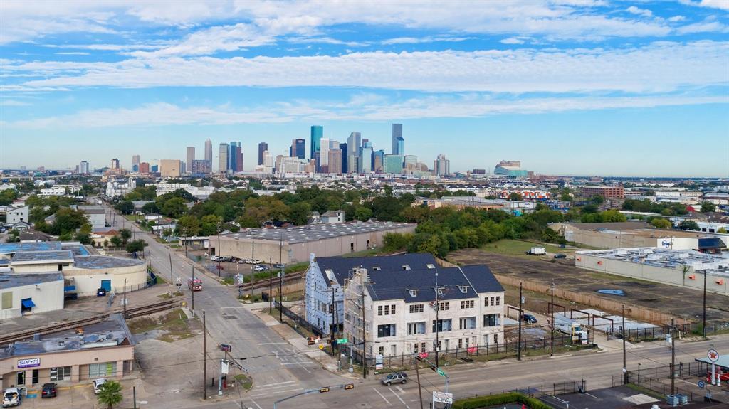 4023 University Grove Street, Houston, TX 77023