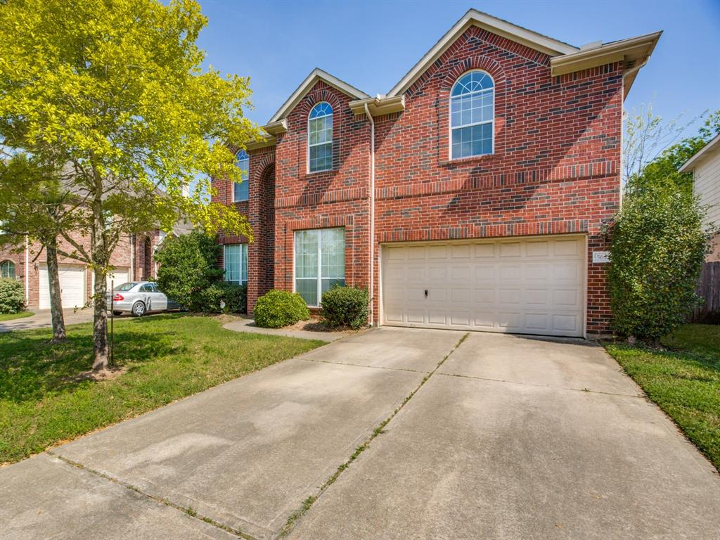 This beautiful and quiet master planned community is manned gated with plenty of neighborhood amenities to offer including a swimming pool, fitness center, basketball court and playgrounds. DESIRED GEORGE RANCH SCHOOLS.  No neighbors behind back fence.  Home needs some TLC and a good cleaning. Sellers are in the process of removing the rest of their belongings.