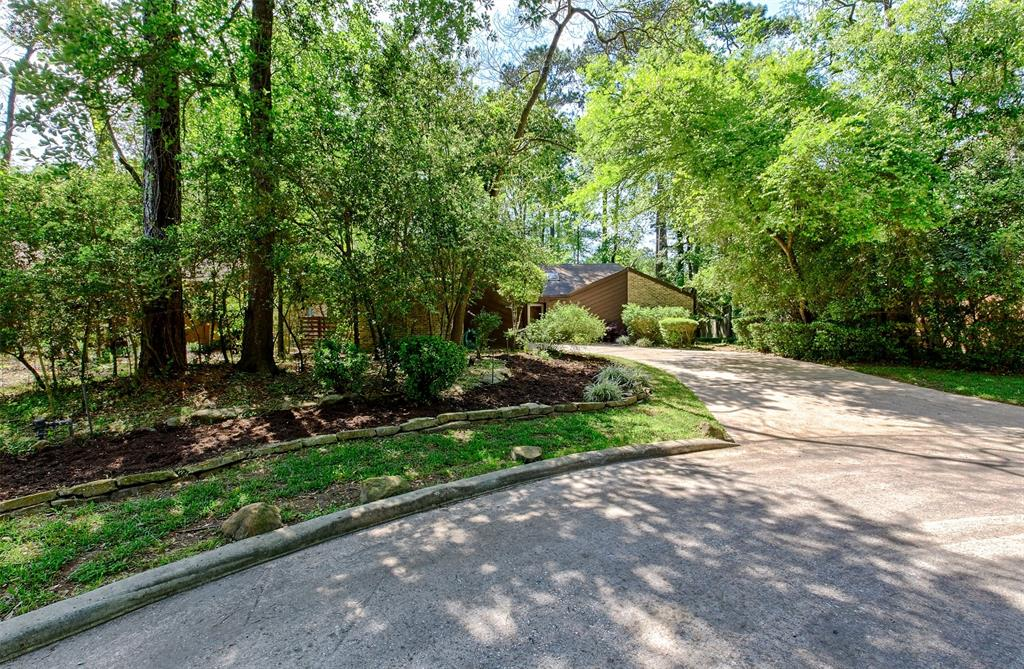 Great location in the front of The Woodlands, close to I 45, the Mall, golf course, parks and restaurants.  This one story is light and bright with skylights and large windows. Beautiful hardwood floors. Double pane windows. All 3 bedrooms have nice size closets.  One bedroom has a built in Murphy bed which allows you to use as a study or bedroom.  A great starter or  home. Neutral colors.