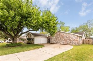 4429 College Park Drive, Deer Park, TX 77536
