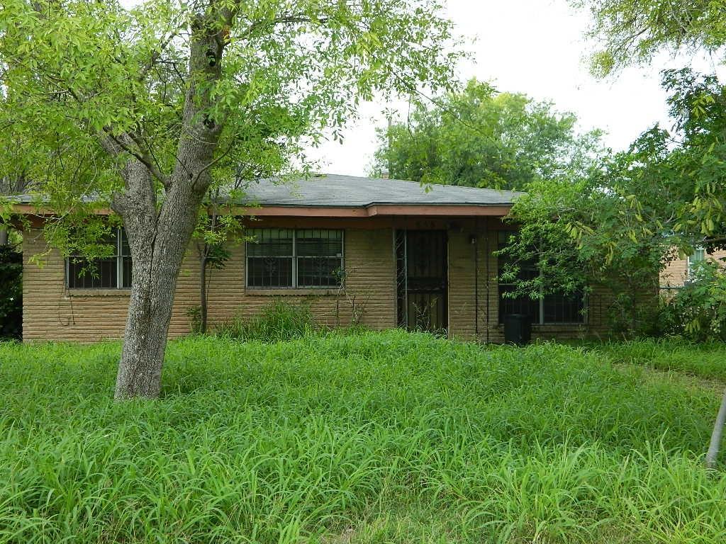 858 S Iowa Avenue, Weslaco, TX 78596