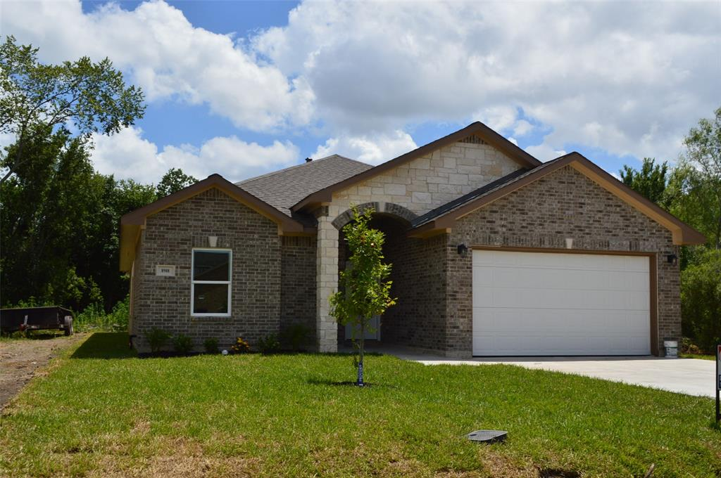 New home near Hobby Airport Ready for New owner.  Must see!! 4 bedrooms 2 full Bathroom and 2 car garage. Ready in few weeks!!!Nice huge Kitchen. High ceiling and through out the house. Ceramic wood tile Through the house.