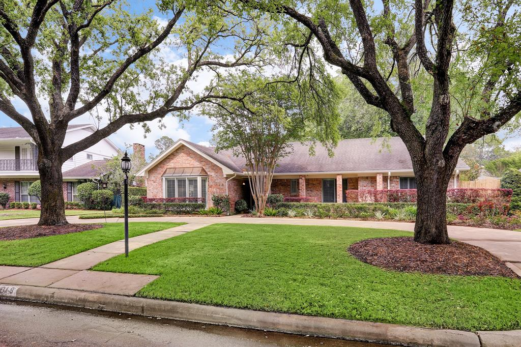 919 Old Lake Road, Houston, TX 77057