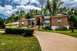 451 Cherry Hills Drive, Huntsville, TX 77340
