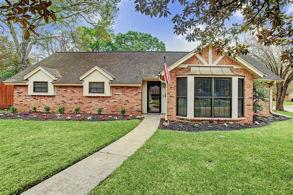 10519 Haddington Drive, Houston, TX 77043