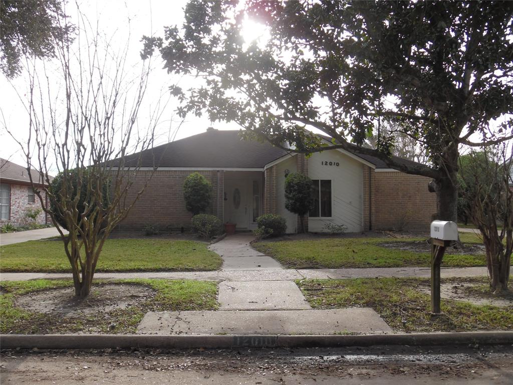 12010 Manorgate Drive, Houston, TX 77031