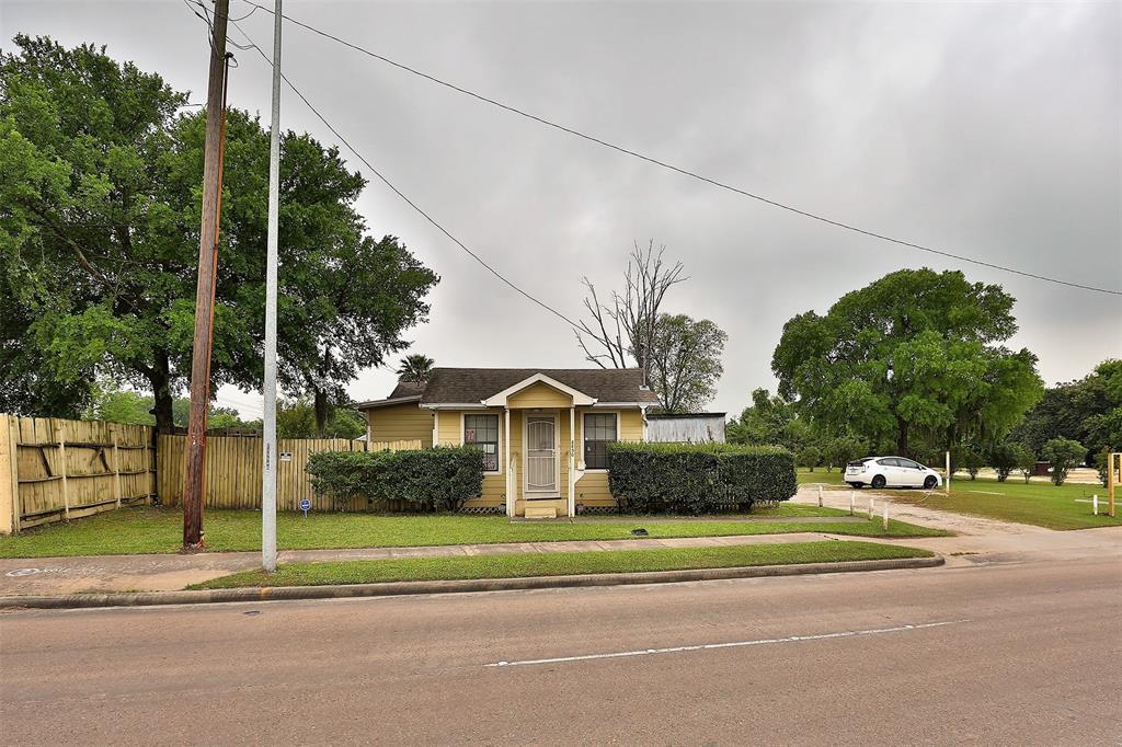 8850 Howard Drive, Houston, TX 77017
