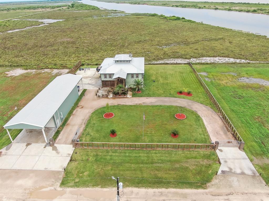 141 Private Road 642, Matagorda, TX 77457