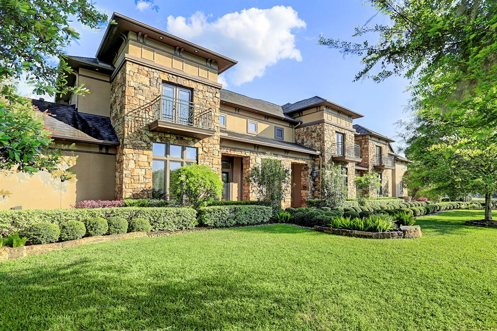 602 Royal Lakes Manor Boulevard, Richmond, TX 77469
