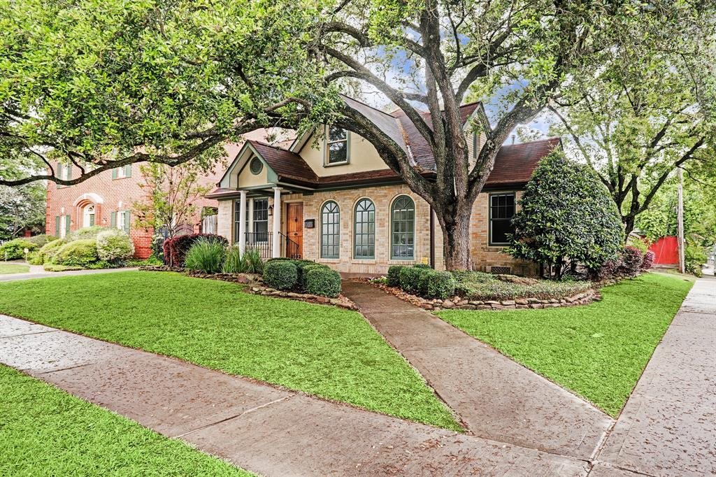 Have a look inside this charming Southgate home. Spacious four bedroom - three full baths with Master on the main floor. This home features a lovely sunroom and a generator. Fantastic corner lot - walkable to Rice Village, Rice University and just steps from the Texas Medical Center.