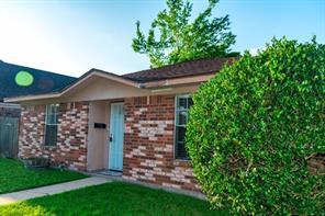 625 Coombs, Alvin, TX, 77511
