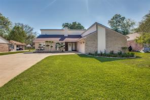 207 banyan street, lake jackson, TX 77566