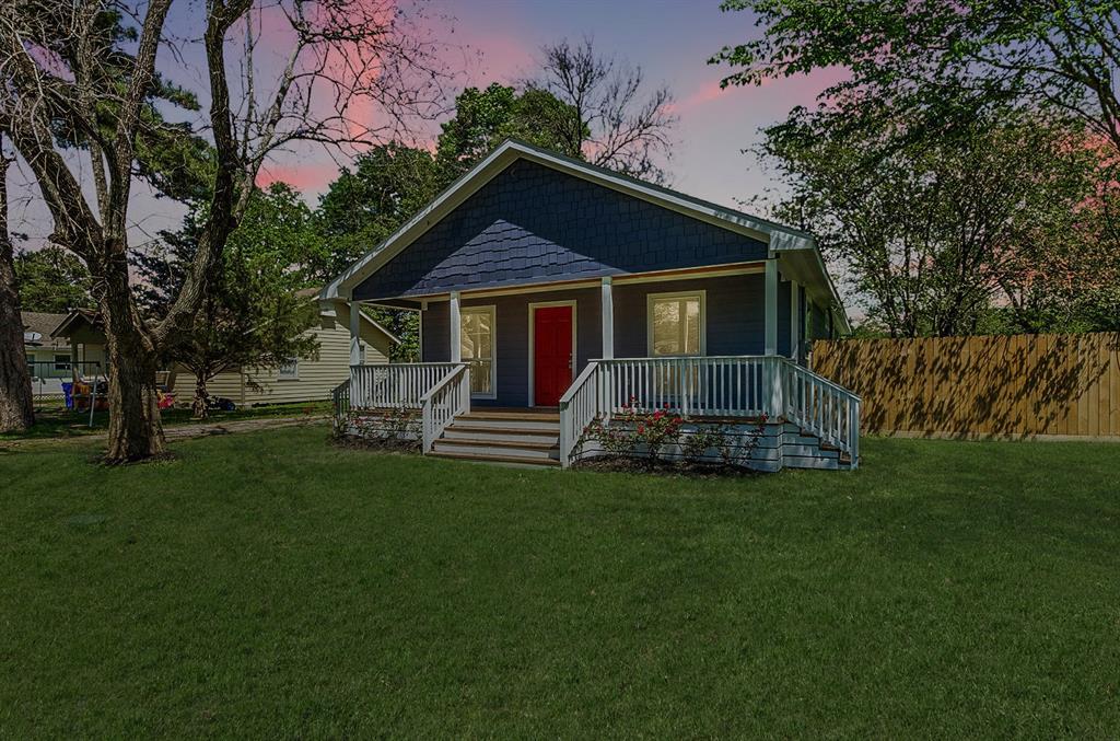 107 Gossett Street, Highlands, TX 77562