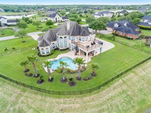 330 Royal Lakes Boulevard, Richmond, TX 77469
