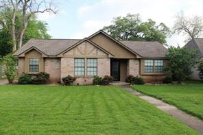 111 Raintree, Lake Jackson TX 77566