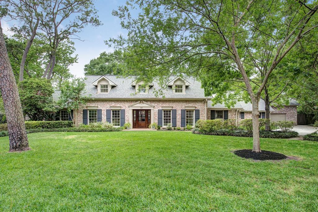 307 Teakwood Lane, Hunters Creek Village, TX 77024