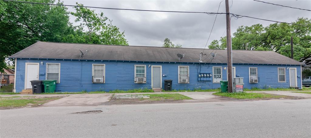303 65th Street 4, Houston, TX 77011