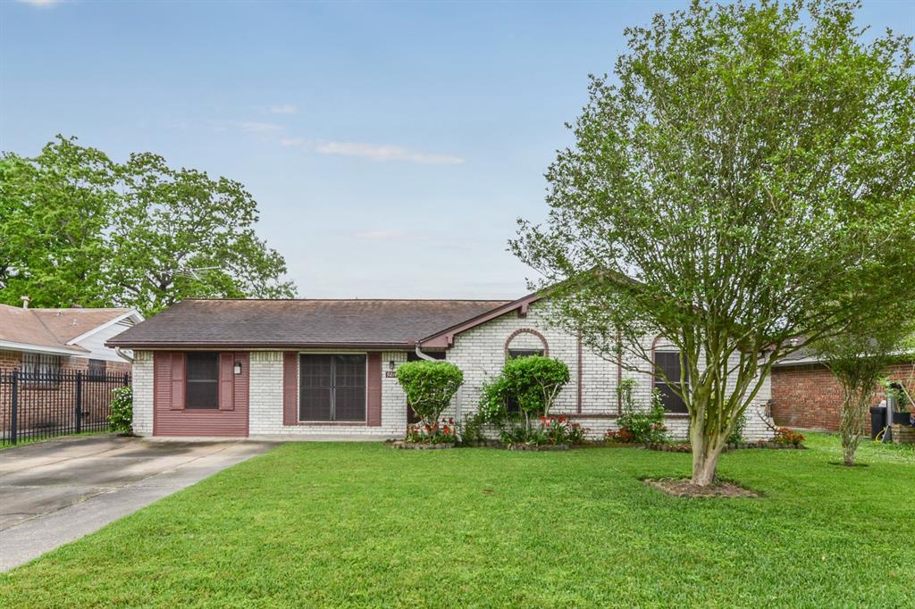 9214 Cobbleshire Drive, Houston, TX 77037