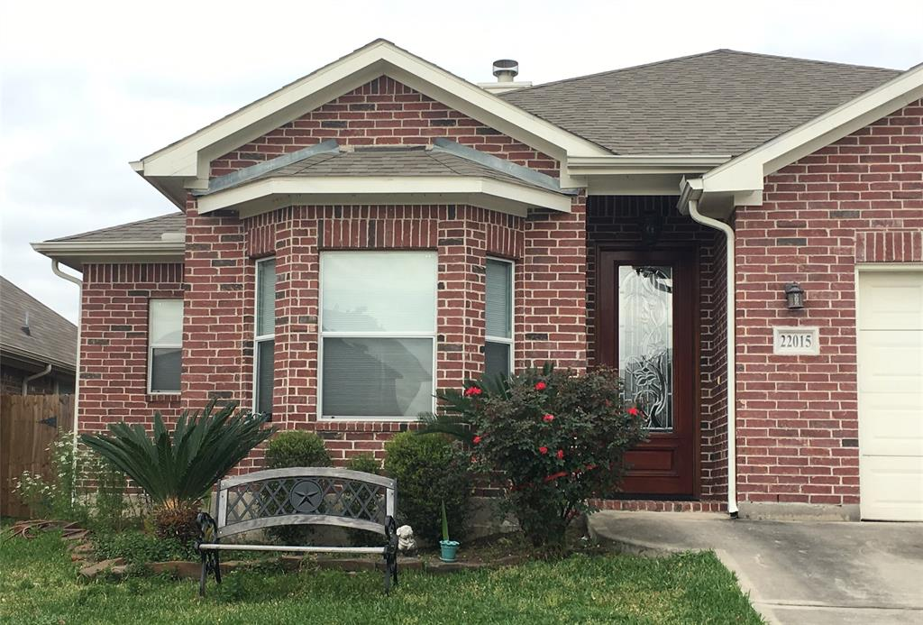 *OWNER AGENT* SEND EMAIL TO AGENT TO REQUEST APPOINTMENT. ALL APPLIANCES ARE INCLUDED! LOTS OF STORAGE AREAS AND BUILT-INS. OPTION AVAILABLE FOR FULLY FURNISHED *ASK FOR DETAILS* OPTION AVAILABLE FOR UTILITIES TO BE INCLUDED AT ADDITIONAL CHARGE *ASK FOR DETAILS* 2 MASTER BEDROOMS 2 BEDROOMS SHARE A JACK&JILL TYPE BATHROOM Bedrooms have built-in QUEEN size bed boxes with storage underneath. Master bedroom is a KING size. ALL bedrooms have built-in bookshelves.