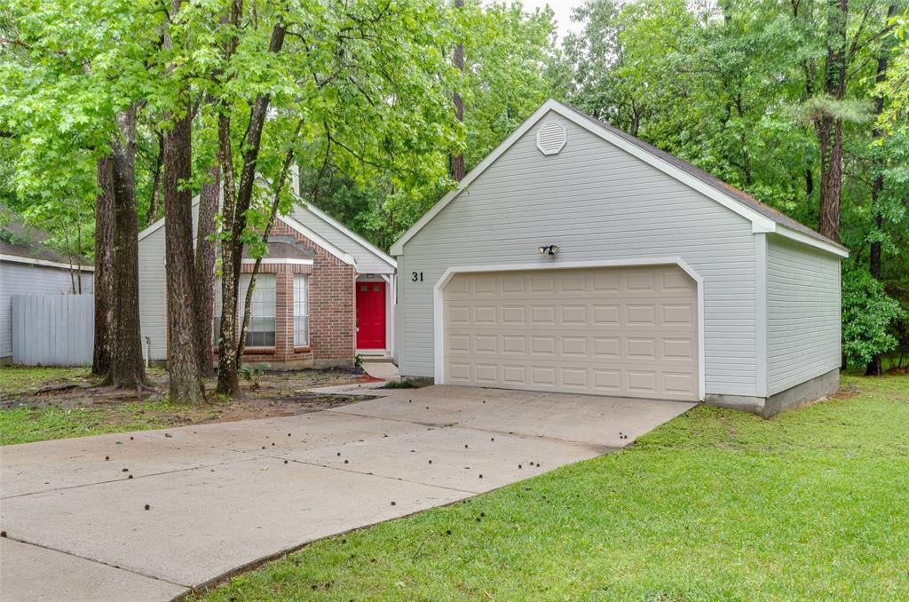 THIS CLEAN & ADORABLE PATIO HOME IS LOCATED AT THE END OF A CUL-DE-SAC, ON AN OVERSIZED 11,063 SF LOT.