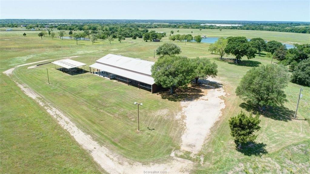 5835 Smith Road, Bellville, TX 77418