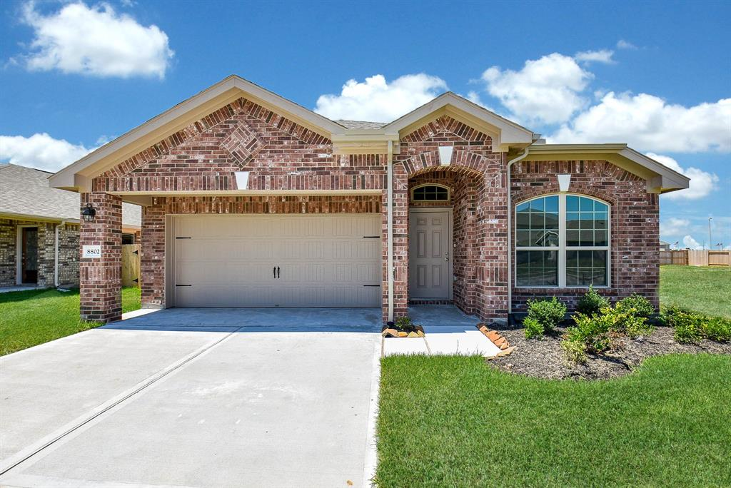 8802 Voyager Drive, Texas City, TX 77591