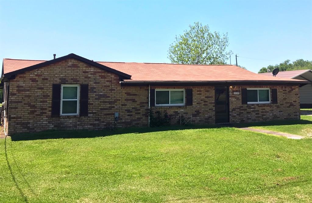 1510 Avenue K, Danbury, TX 77534
