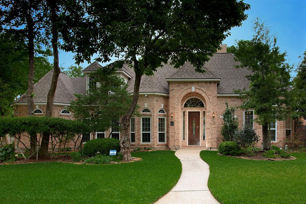 Sought after one-story w/ pool and spa upfront in The Woodlands! Close to everything you need daily like dining, schools, medical facilities, shopping! Short drive to I-45/Hardy tollway, Hughes Landing and ExxonMobil Campus! Corner lot of culdescac! Entering the front door you will be captivated by the sparkling salt water pool w/spa/waterfall. Large upgraded windows give you a beautiful view of backyard! Open and spacious rooms for entertaining family and friends! Both formals! Family room ad-joins kitchen! Kitchen has gorgeous granite, SS appliances! Lovely master with spa-like bath! Great study with full bath could be bedrooms! Split floor plan for privacy. Equipped with security system, motion activate webcams, outdoor lighting, Trane HVAC system (2017), Generac generator for entire house. 3-car garage with workbench, wall hanging storage and floored attic for storage!