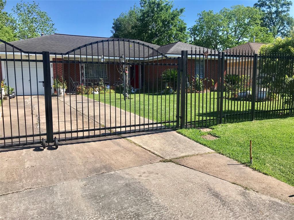 9029 Woodlyn Road, Houston, TX 77078