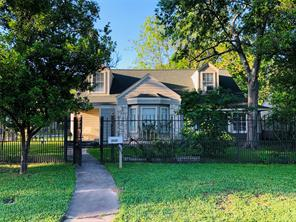 2021 santa rosa street, houston, TX 77023