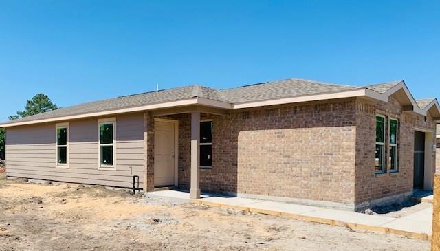 300 N 4th Street, Van Vleck, TX 77482