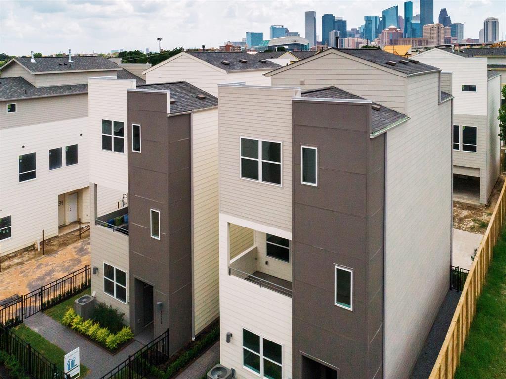 2726 EaDo Edge Court, Houston, TX 77020
