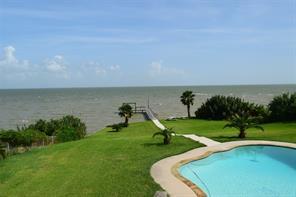 8720 Ocean Drive, Beach City, TX 77523