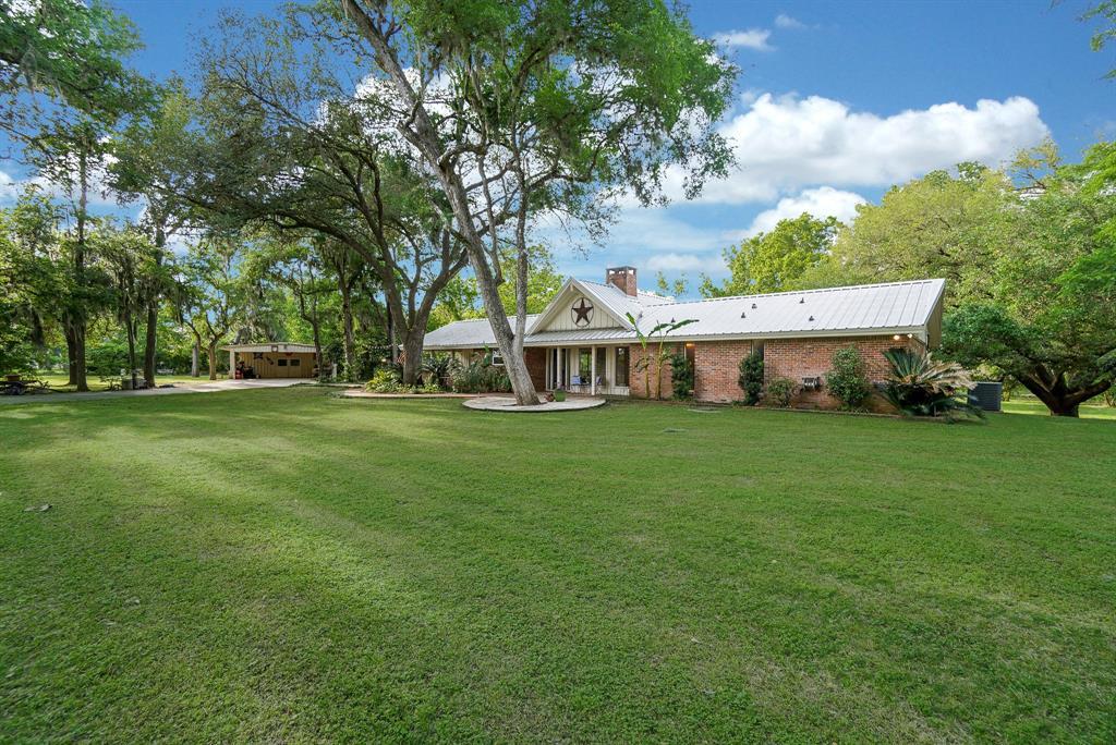 38310 Buckskin Road, Wallis, TX 77485