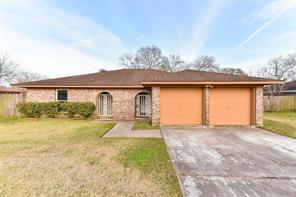 8610 Honeysuckle Street, Highlands, TX 77562