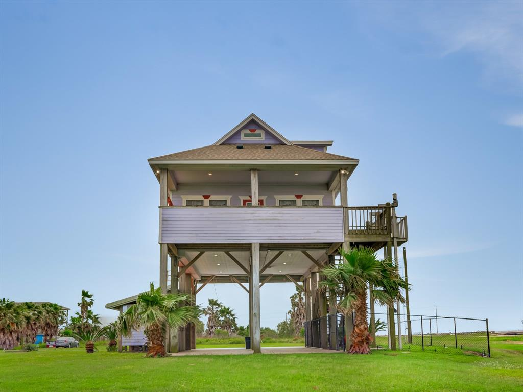 1043 Yeager, Gilchrist, TX 77617