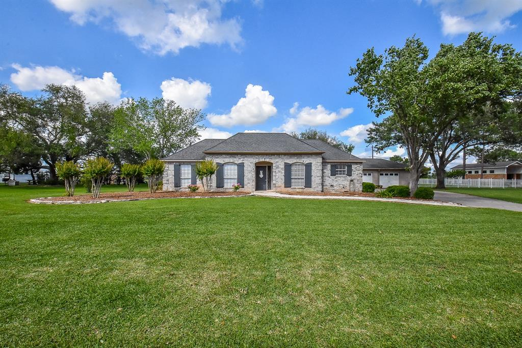 1619 Kelving Way, Wharton, TX 77488